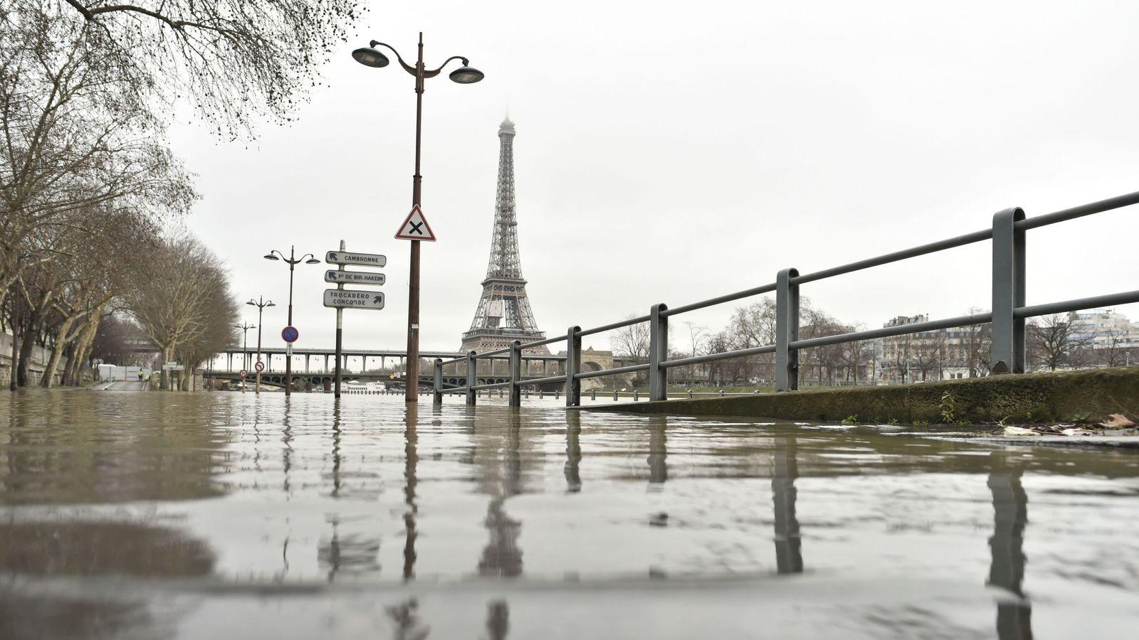 Paris Flooded Seine Bursts Banks Days Of