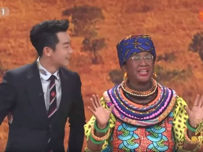 Chinese TV show under fire for 'racist' sketch Chinese New Year TV show sparks fury with blackface sketch Chinese New Year TV show sparks fury with blackface sketch skynews cctv china racism 4232685