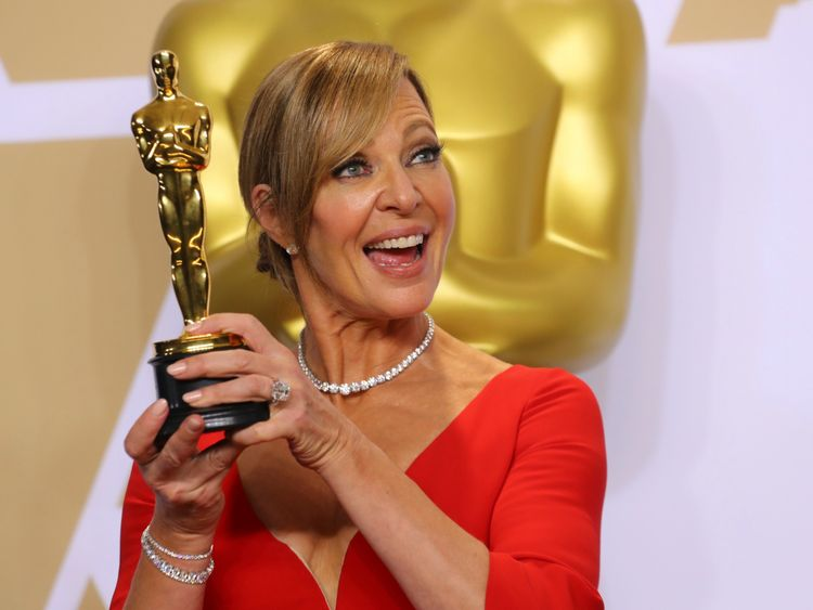 "Allison Janney with Best Supporting Actress Award for ""I, Tonya"""