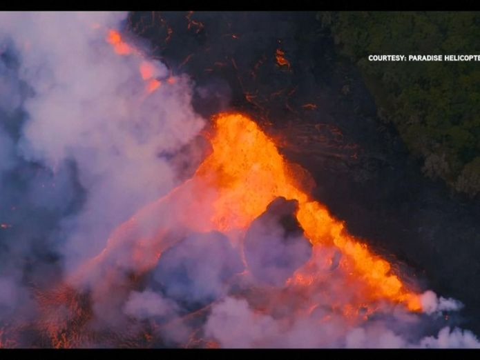 Wide fissures have opened up Hawaiians watch lava eat their street in devastating slow motion Hawaiians watch lava eat their street in devastating slow motion skynews hawaii htp 4318570