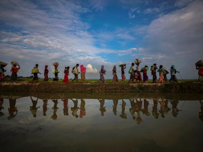 Rohingya refugees flee Myanmar 'Worrying evidence' of new genocidal campaign in Myanmar 'Worrying evidence' of new genocidal campaign in Myanmar skynews rohingya myanmar burma 4298050