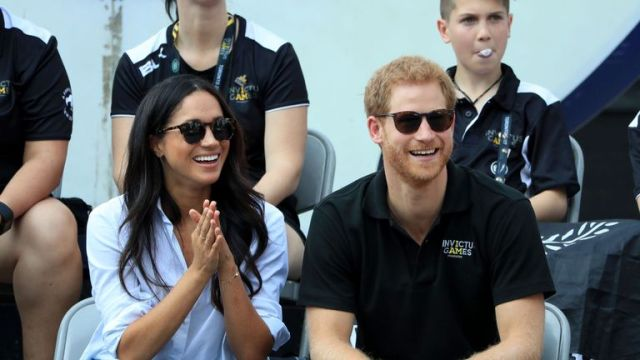 Prince Harry and Meghan Markle watch Wheelchair Tennis at the 2017 Invictus Games in Toronto, Canada