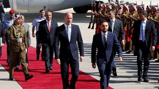 Prince William and Jordan's Crown Prince Hussein bin Abdullah II review the honour guard in Amman Prince William arrives in Tel Aviv after recent violence at Gaza border Prince William arrives in Tel Aviv after recent violence at Gaza border skynews prince william jordan 4344615