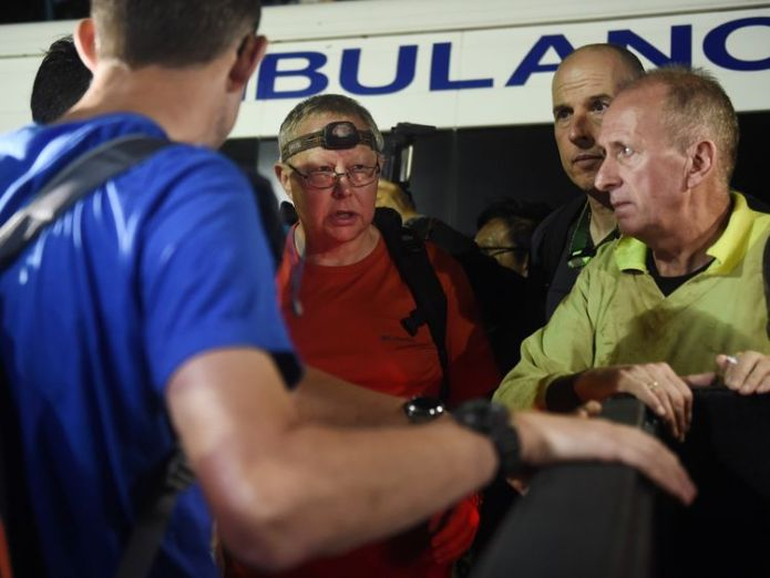 The three British divers are briefed at the site  British divers join mission to save football team from Thai cave skynews british team thailand 4347651