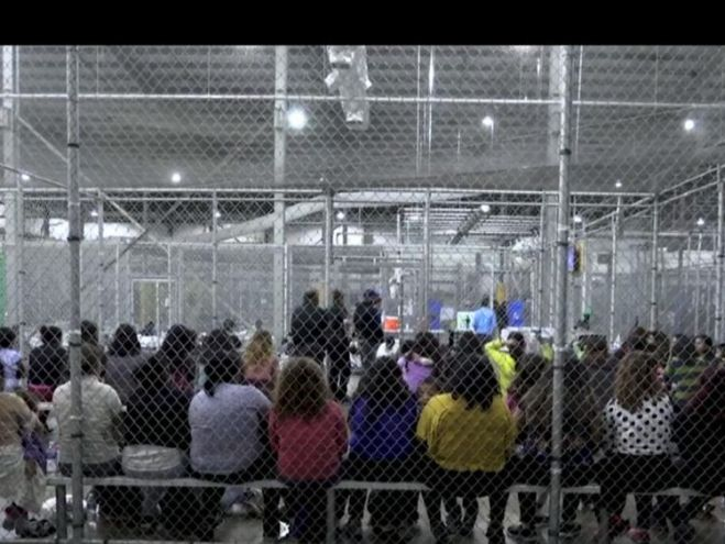 Migrant children in a cage in the US
