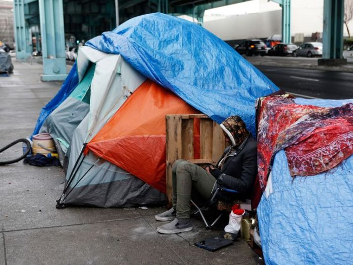 The foundation helps homeless people in San Francisco Bidder makes $3.3m pledge for lunch with billionaire investor Warren Buffett Bidder makes $3.3m pledge for lunch with billionaire investor Warren Buffett skynews san francisco homeless 4326637