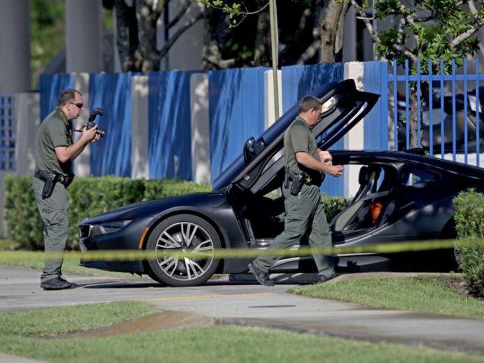 Investigators surround the car in which XXXTentacion was shot                                                                                                                                       Man arrested over rapper XXXTentacion murder Man arrested over rapper XXXTentacion murder skynews xxxtentacion florida 4339707