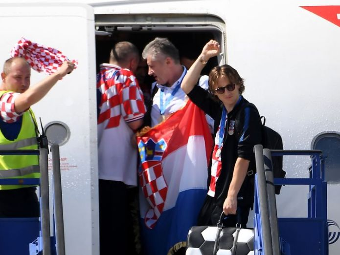 Luka Modric touches down in Zagreb along with the rest of the team  Croatia get hero's welcome in Zagreb despite losing World Cup final skynews croatia world cup 4363594