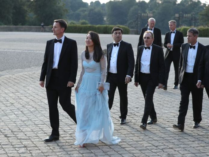 Jeremy Hunt and wife Lucia at Blenheim Palace for Donald Trump visit  Foreign Secretary Jeremy Hunt to call for more sanctions on Russia skynews jeremy hunt lucia wife 4375826
