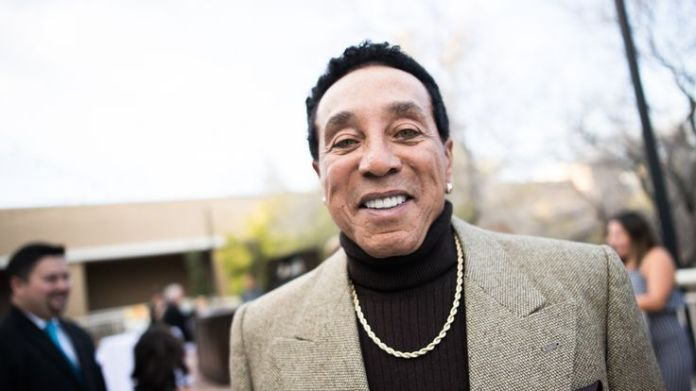 Smokey Robinson  Aretha Franklin's funeral: Stars who'll be there skynews smokey robinson singer 4404746