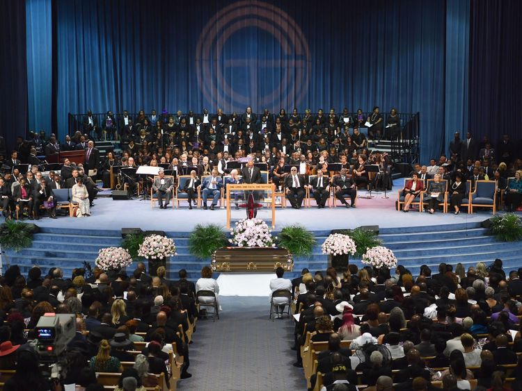 Mourners attend Aretha Franklin's funeral at Greater Grace Temple on August 31, 2018 in Detroit, Michigan. (Photo by Angela Weiss / AFP) (Photo credit should read ANGELA WEISS/AFP/Getty Images)