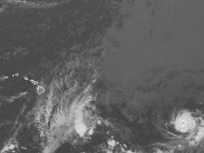 Hurricane Hector moving across the Pacific, possibly towards Hawaii  Hurricane Hector could collide with erupting Kilauea Volcano in Hawaii skynews hurricane hector satellite 4380266