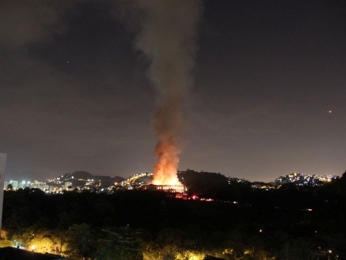 The fire could be seen from miles away  Huge blaze at historic museum in Rio de Janeiro, Brazil skynews brazil fire museum 4409997