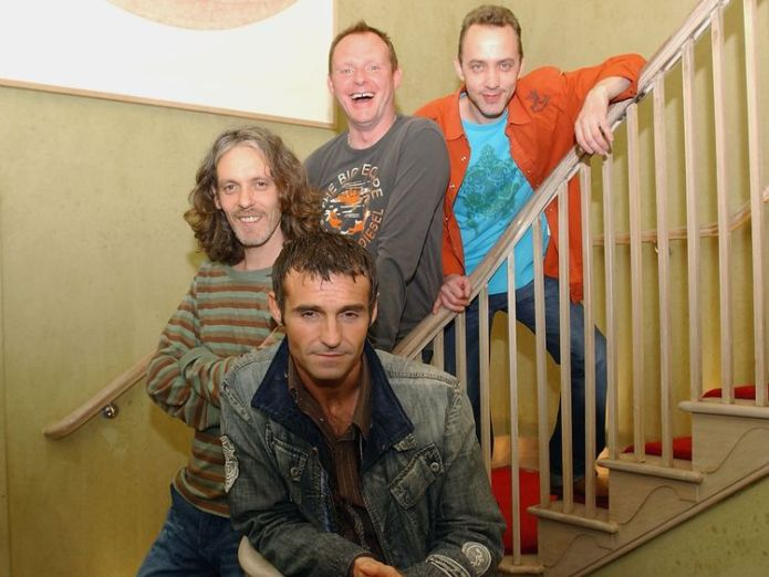 Marti Pellow (front centre) with band members Tommy Cunningham, Neil Mitchell, and Graeme Clark  Wet Wet Wet announce Liberty X star Kevin Simm as new frontman skynews wet wet wet marti pellow 4433309
