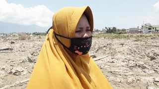 Surianit's husband was killed in the earthquake, and her house destroyed  UK charities launch joint fundraising appeal for Indonesia quake survivors skynews surianti widow siobhan robins 4442237