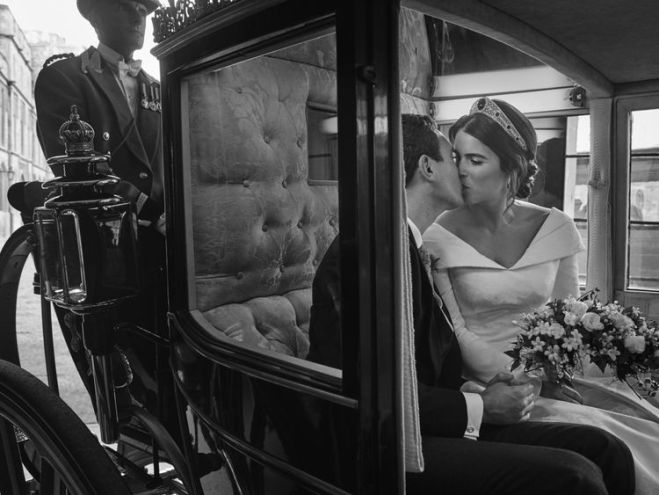 The couple are pictured in the Scottish State Coach