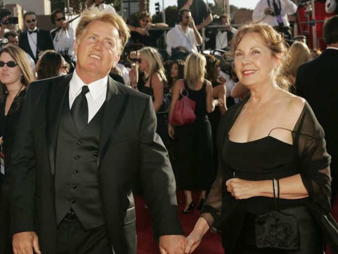 Martin Sheen (L) and his wife Janet  Charlie Sheen's plea to help find parents skynews shen martin janet 4482372