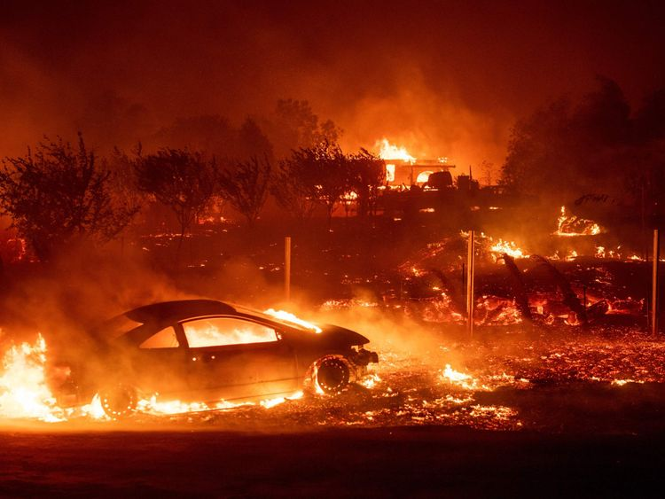 Wildfire in Paradise, California