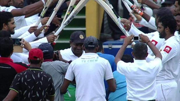 Sri Lanka spinner Rangana Herath was given a guard of honour by his team-mates as he walked onto the pitch in his final Test