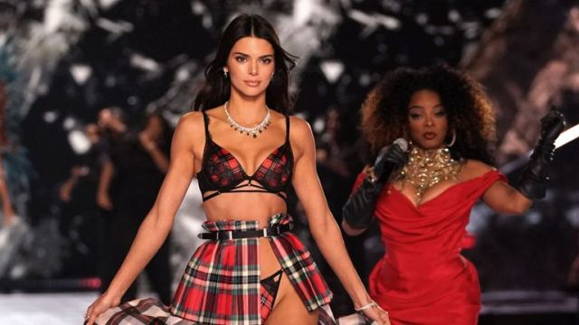 Kendall Jenner at the Victoria's Secret 2018 show