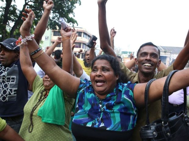 Ranil Wickremesinghe's supporters outside the supreme court