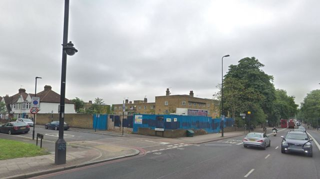 Police were called to the junction of Brixton Hill and Dumbarton Road. Pic: Google Street View
