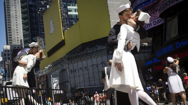 Actors recreate the iconic image in New York on the 70th anniversary of V-J Day