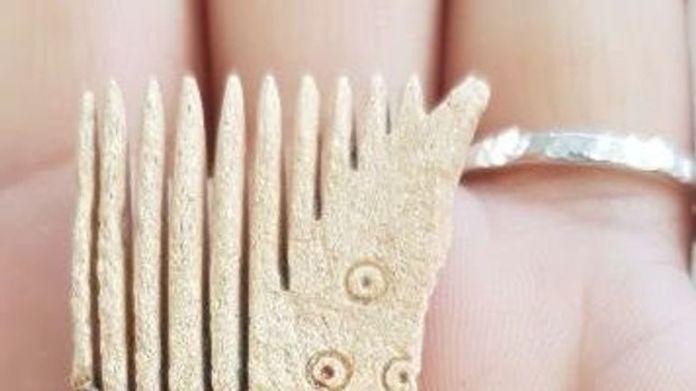 Un peine de huesos (Romano tardío o anglosajón) fue uno de los hallazgos