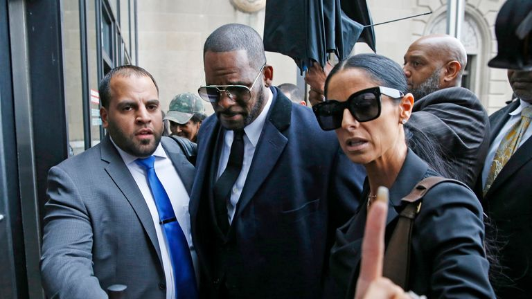 Singer R. Kelly arrives at the Leighton Courthouse for his status hearing in relation to the sex abuse allegations made against him on May 07, 2019 in Chicago, Illinois. (Photo by Nuccio DiNuzzo/Getty Images)1