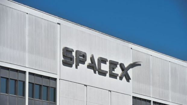 The exterior of SpaceX headquarters in Hawthorne, California as seen on July 22, 2018. (Photo by Robyn Beck / AFP) (Photo credit should read ROBYN BECK/AFP/Getty Images)