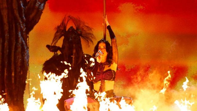 Katy Perry performs 'Dark Horse' at the Grammy Awards in LA in 2014