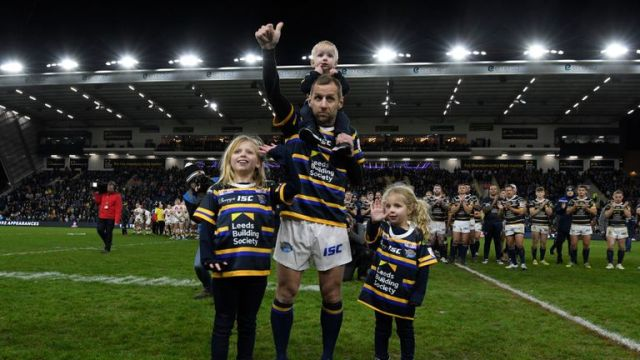 LEEDS, ENGLAND - JANUARY 12: Rob Burrow of Leeds Rhinos with his children after the Jamie Jones-Buchanan testimonial between Leeds Rhinos and Bradford Bulls at Emerald Headingley Stadium on January 12, 2020 in Leeds, England. (Photo by George Wood/Getty Images)