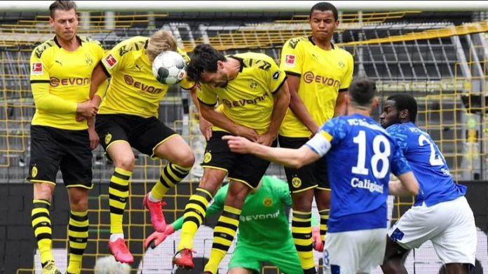 Football returns to Germany after Borussia Dortmund played Schalke