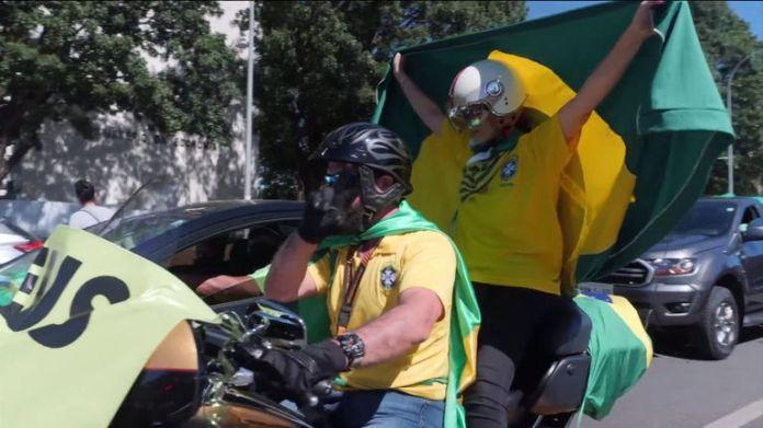 Brasilia protesters are against the coronavirus lockdown