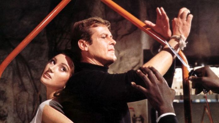 Live and Let Die - 1973 Jane Seymour, Roger Moore  1973