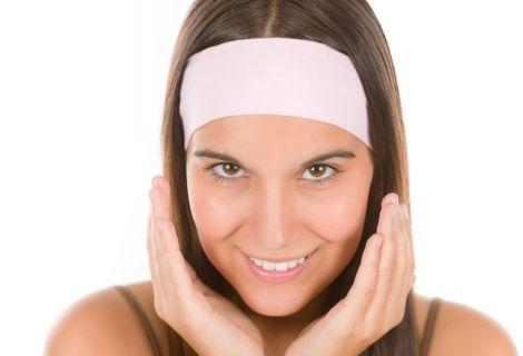 Jak pečovat o mastnou pokožku se sklony k tvorbě akné?