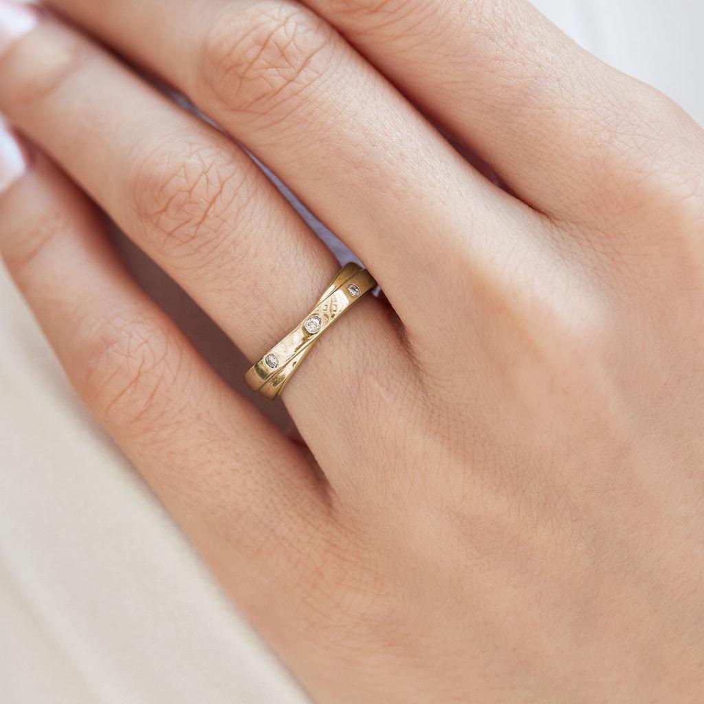 Goldring mit Diamanten  KLENOTA