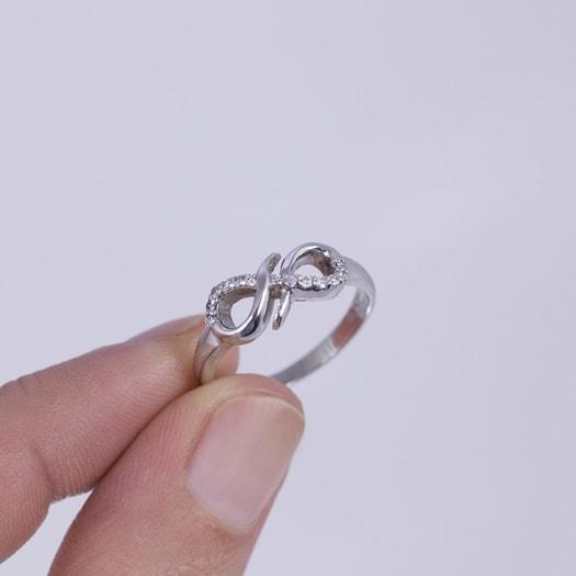 KLENOTA  Goldring mit einem Diamanten Symbol der Unendlichkeit  Ringe Diamant  Schmuck  mit