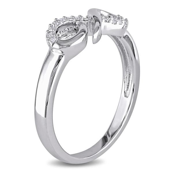 KLENOTA  Diamantring mit einem Schild Unendlichkeit  Ringe Diamanten