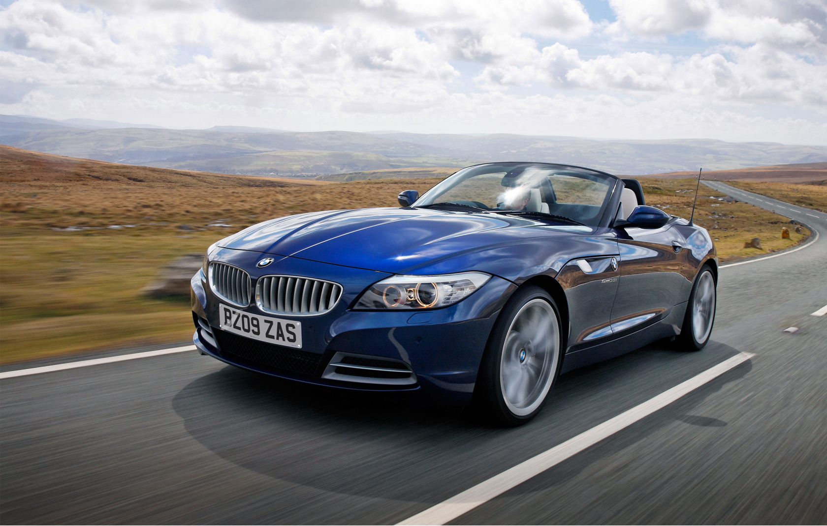 New Set Of Bmw Z4 (e89) Wallpapers In Deep Sea Blue