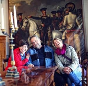 Burgenbloggerin mit Burgverwalter und Reporterin