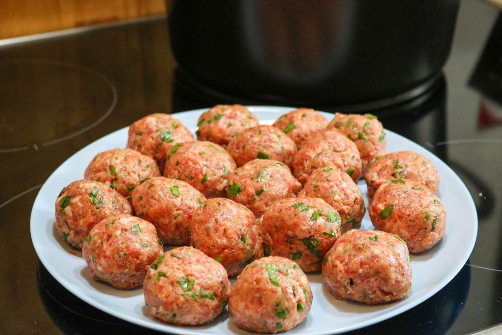 Use Spoon to Make Meatballs