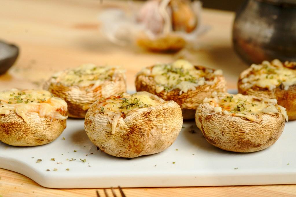 Mushroom Pizza Featured Image