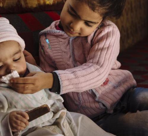 Dos niños sirios