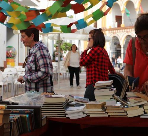 mercadillo solidario de libros