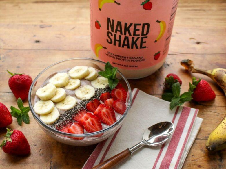 Strawberry Banana Chia Smoothie Bowl