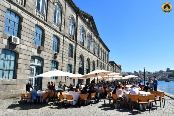 Lunchtime in Porto