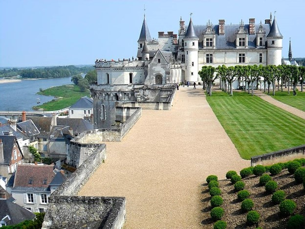 Loire Valley Châteaux attractions in france