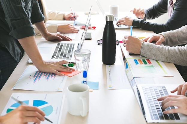 Effective Meetings: The 4 Laws To Set The Greatest Meeting Ever