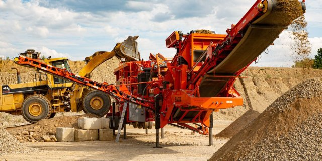 The Importance of Optimizing Your Portable Plant's Hydraulic Lift and Leveling System